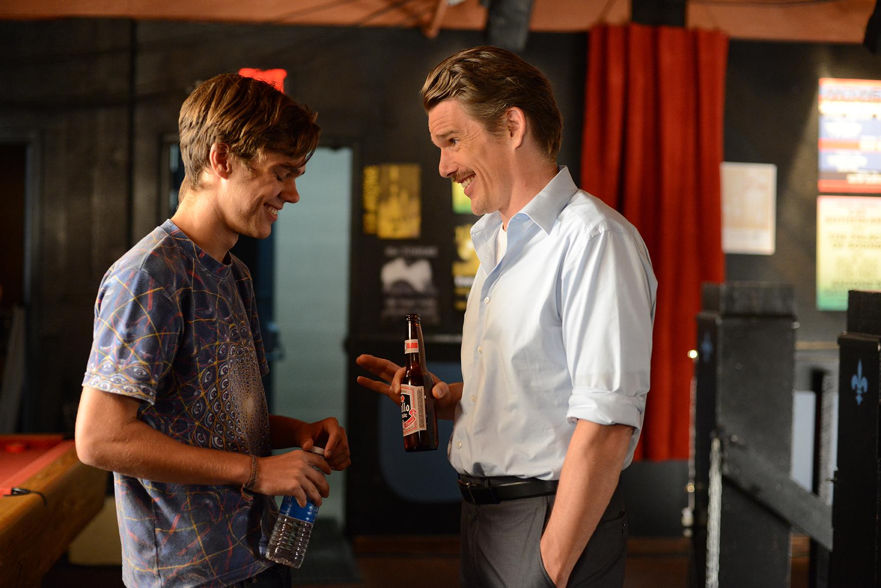 Ethan Hawke y Ellar Coltrane en 'Boyhood'. Crédito: IFC Films
